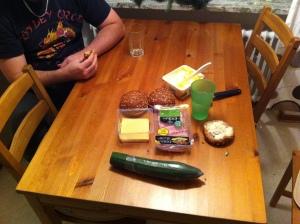 Efter några timmars spelande fick vi ta en paus för att inta föda
